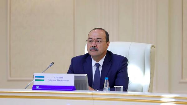 Premyer-ministr Uzbekistana Abdulla Aripov na zasedanii Soveta glav pravitelstv SNG v uzkom sostave v Minske - Sputnik Oʻzbekiston