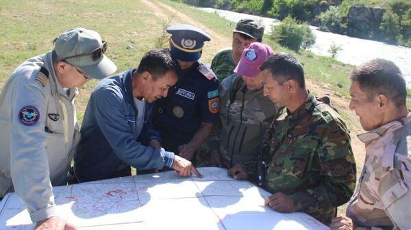 Спасатели МЧС Узбекистана привлечены к поискам пропавших туристов в горах Туркестанской области - Sputnik Узбекистан