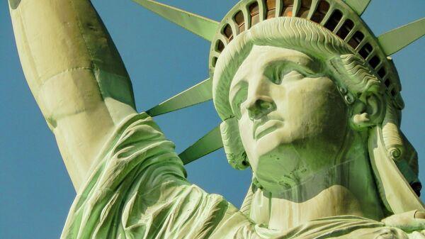 Статуя Свободы в Нью-Йорке - Sputnik Узбекистан