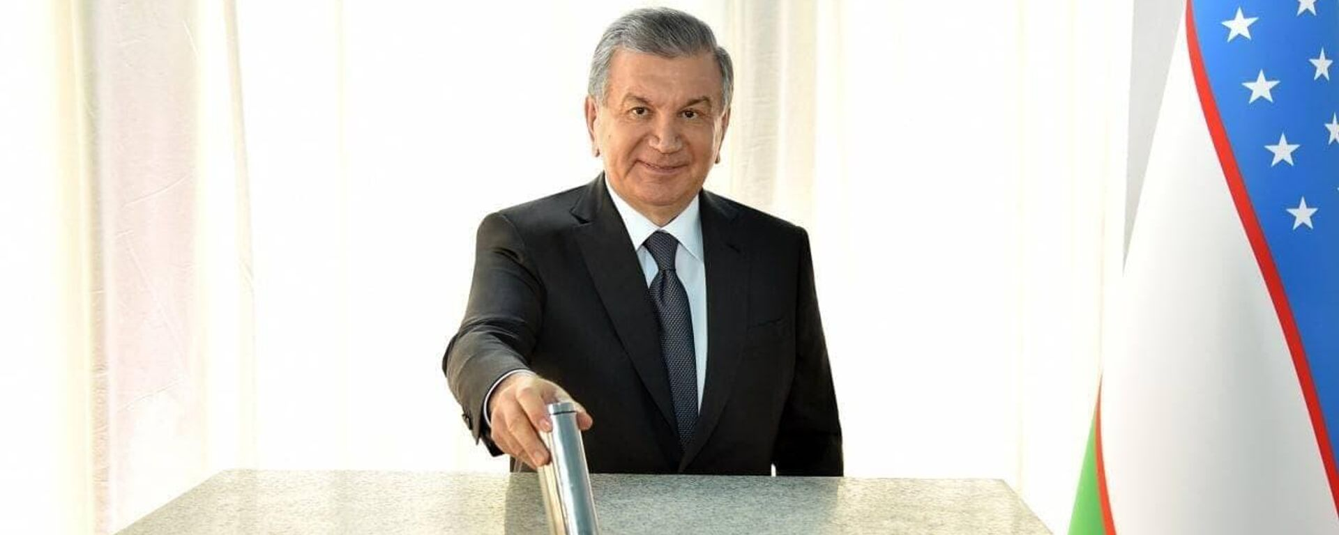 Президент Узбекистана Шавкат Мирзиёев дал старт строительству солнечной фотоэлектрической станции в Шерабадском районе Сурхандарьинской области - Sputnik Узбекистан, 1920, 01.06.2021