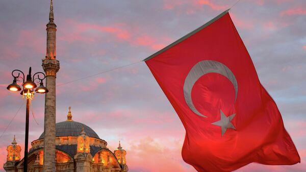 Большая мечеть Меджидие в Стамбуле - Sputnik Ўзбекистон