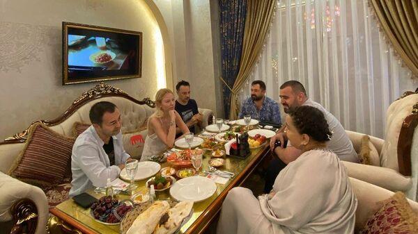 Сердар Ортач и Юлдуз Усманова - Sputnik Узбекистан