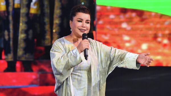 Юлдуз Усманова выступает на концерте в Душанбе - Sputnik Узбекистан