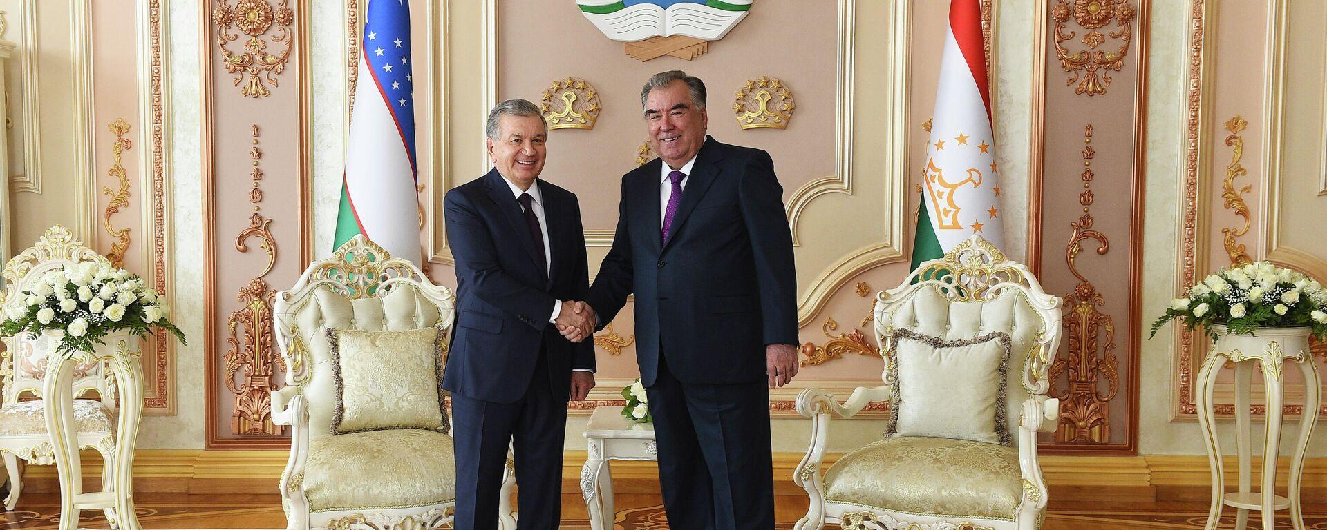 Prezident Uzbekistana Shavkat Mirziyeyev i prezident Tadjikistana Emomali Raxmon - Sputnik Oʻzbekiston, 1920, 09.09.2021