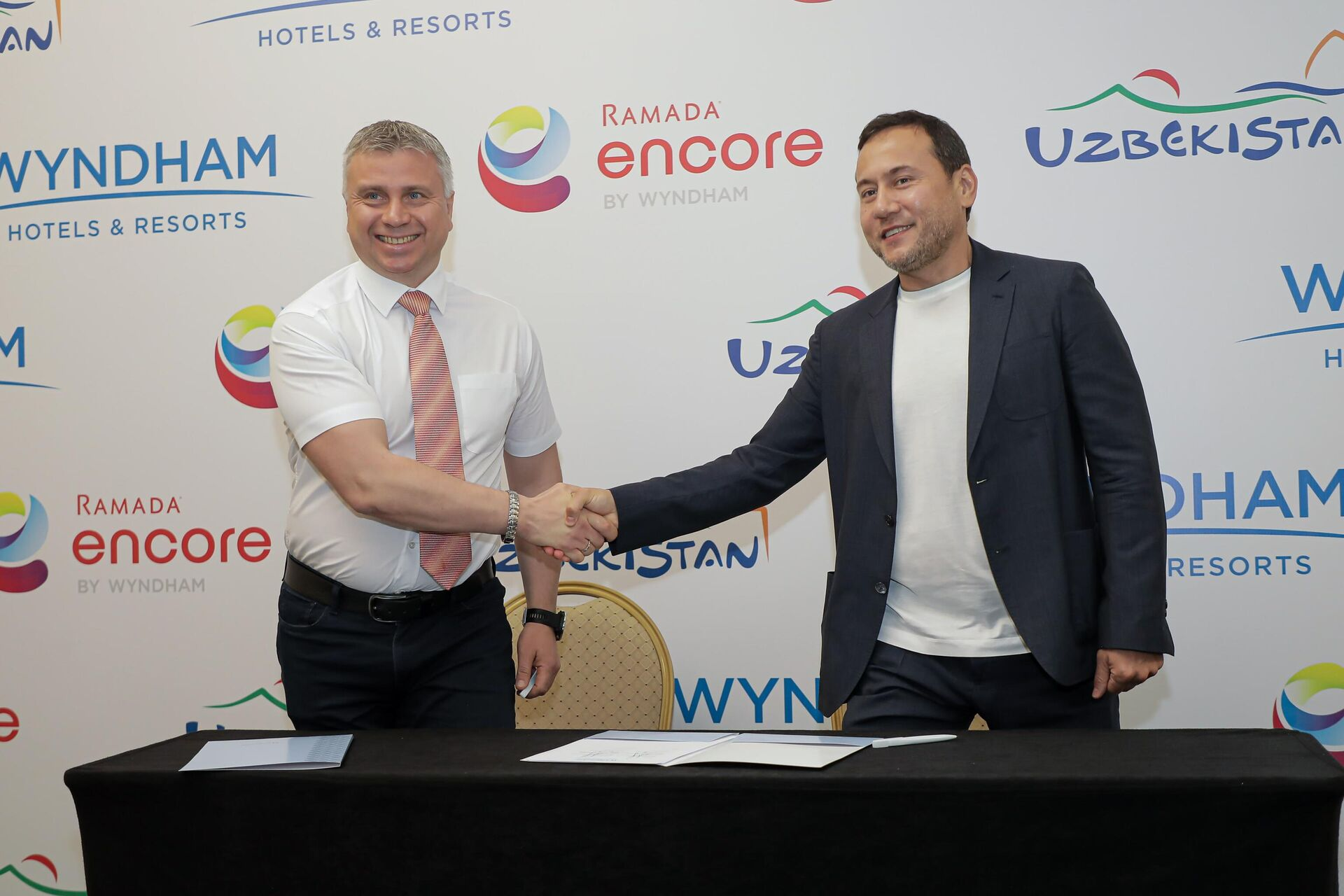 Подписано соглашение об открытии нового отеля международной гостиничной сети Wyndham Hotels&Resorts - Sputnik Узбекистан, 1920, 16.06.2021