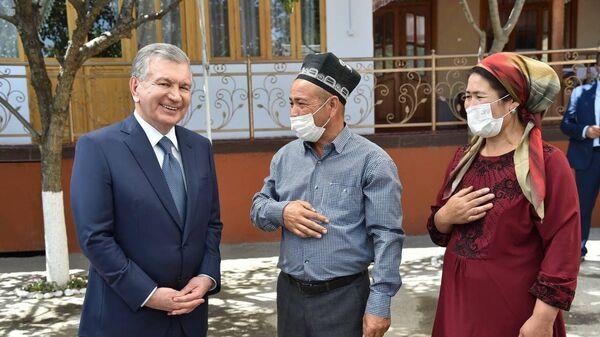 Жители махалли Урганжи в Андижанской области  - Sputnik Узбекистан