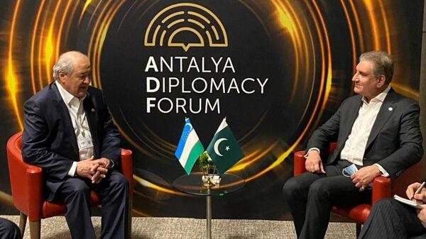 Встреча А.Камилова с главой МИД Пакистана - Sputnik Узбекистан