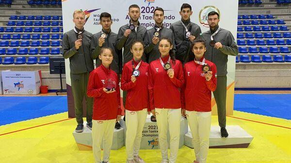 Сборная Узбекистана завоевала десять медалей на чемпионате Азии по таэквондо WT - Sputnik Узбекистан