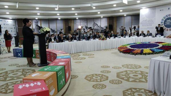 В Бухаре стартовал  Международный форум глобального межпарламентского сотрудничества в реализации Целей устойчивого развития - Sputnik Узбекистан