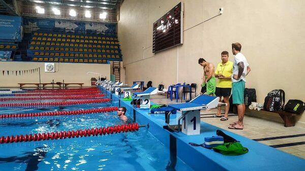 Сборная Узбекистана по плаванию проводит учебно-тренировочные сборы во Владивостоке - Sputnik Узбекистан