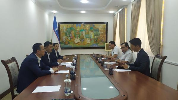 Президент Паралимпийского комитета Азии встретился с вице-премьером Азизом Абдухакимовым - Sputnik Узбекистан