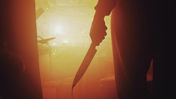 Человек с окровавленным ножом - Sputnik Узбекистан