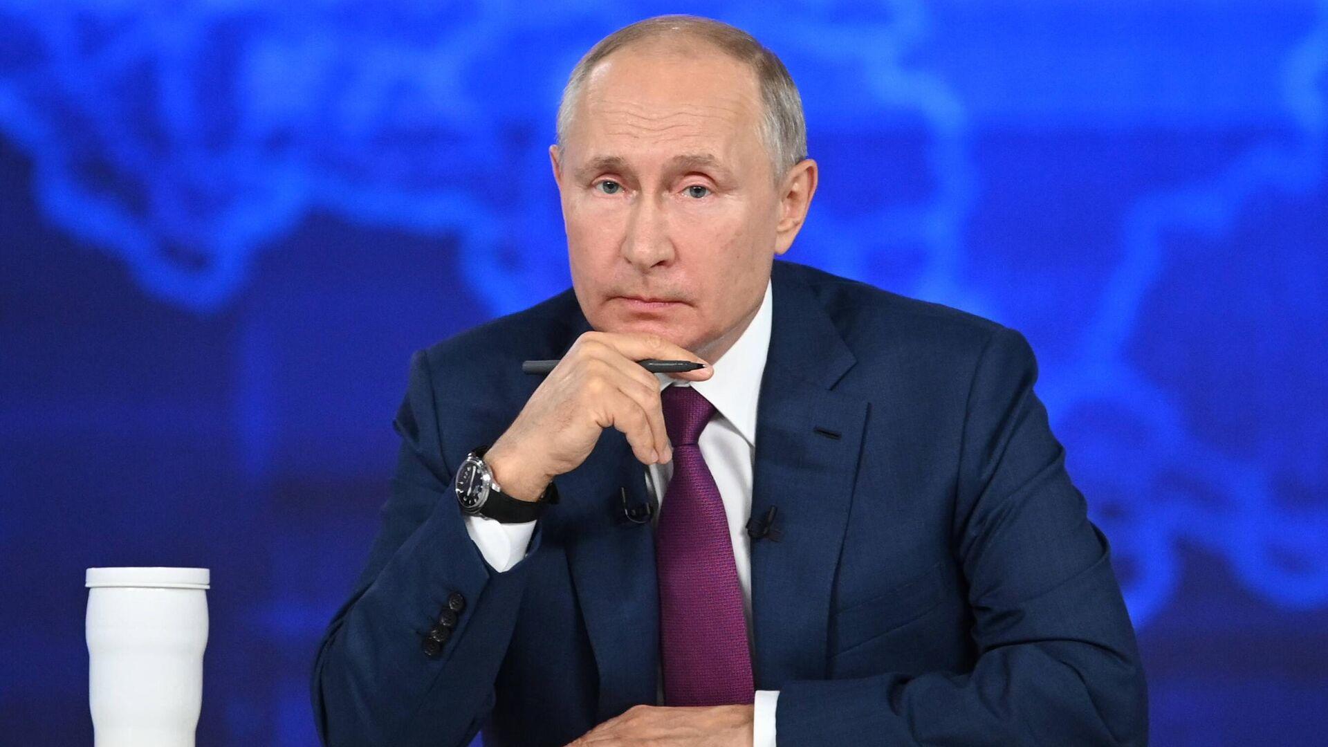 Прямая линия с президентом РФ Владимиром Путиным - Sputnik Узбекистан, 1920, 05.07.2021