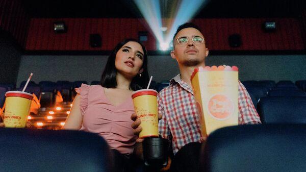 Зрители в кинотеатре, иллюстративное фото - Sputnik Узбекистан