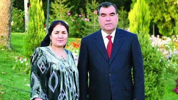 Uzbekbi Asadulloyeva i Emomali Raxmon - Sputnik Oʻzbekiston