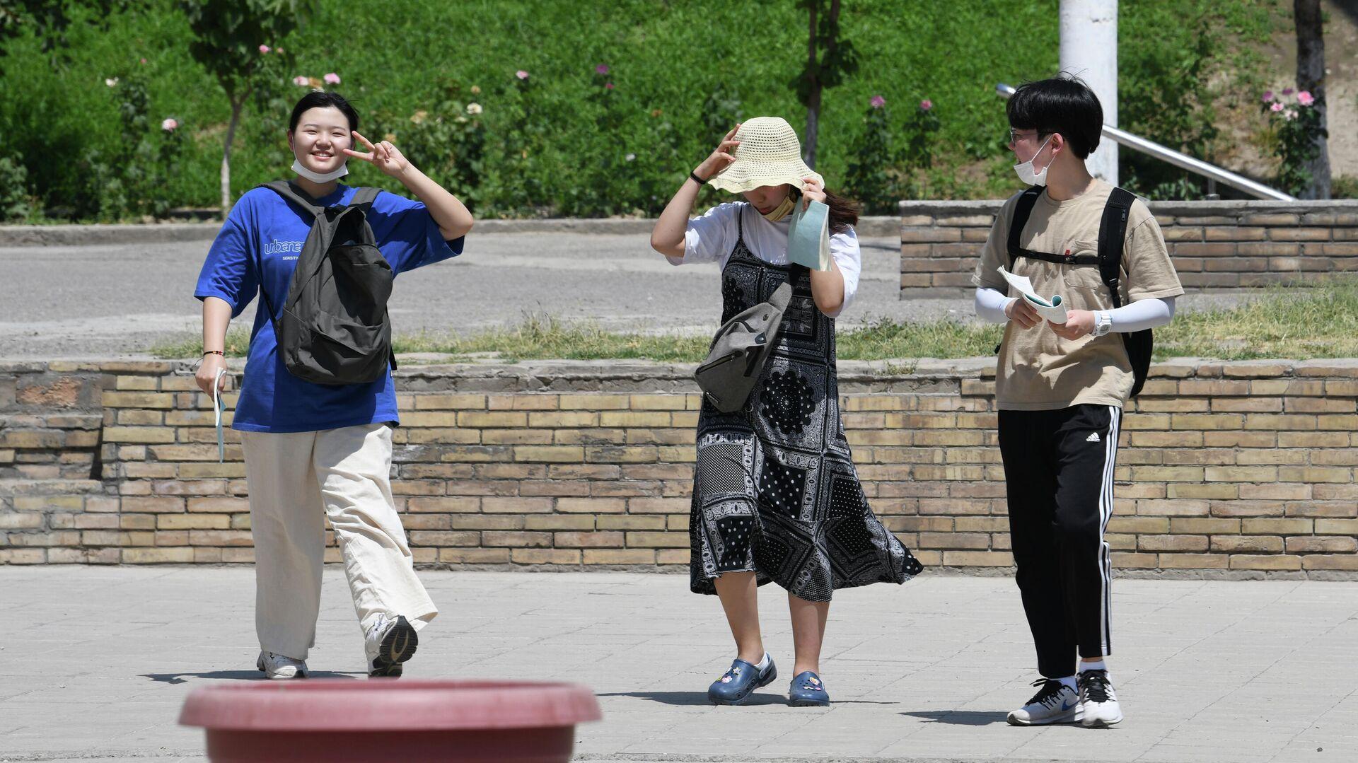 Корейский туристы в Ташкенте - Sputnik Узбекистан, 1920, 07.09.2021