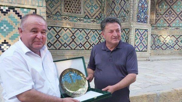Глава клуба культуры и искусств Анкара Метин Озасланбей с рабочим визитом в Бухаре - Sputnik Узбекистан
