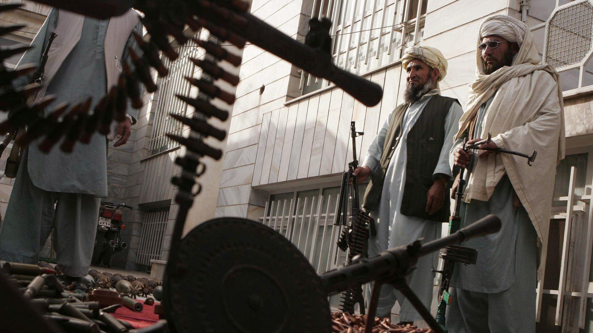Вооруженные люди в Афганистане - Sputnik Ўзбекистон, 1920, 14.07.2021