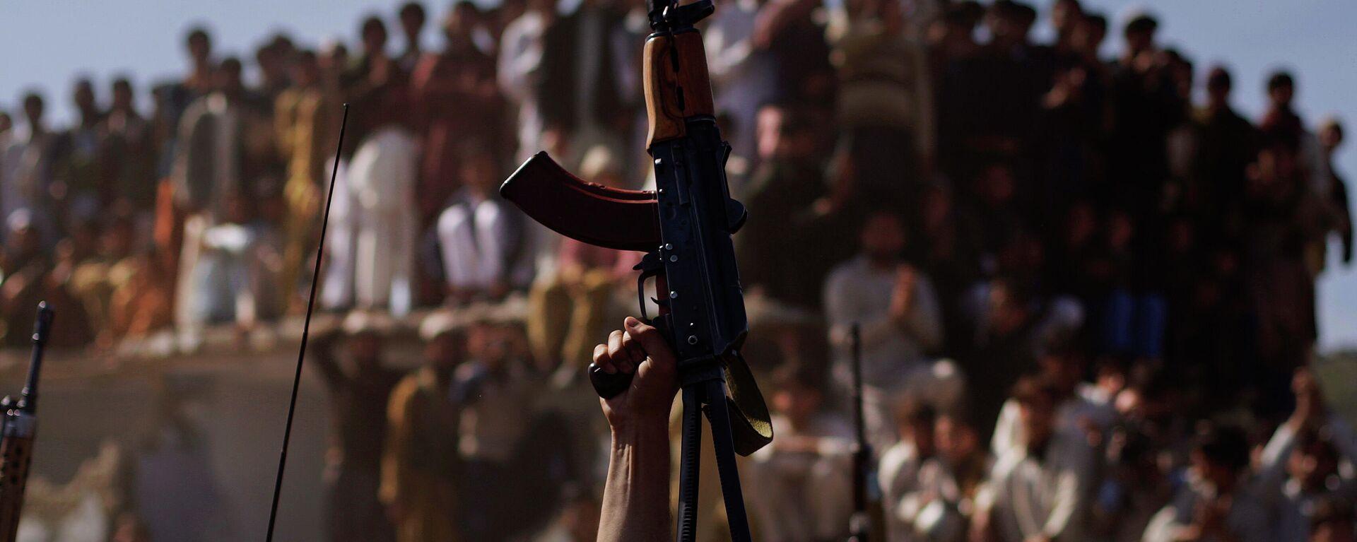 Вооруженные люди в Афганистане - Sputnik Узбекистан, 1920, 16.07.2021