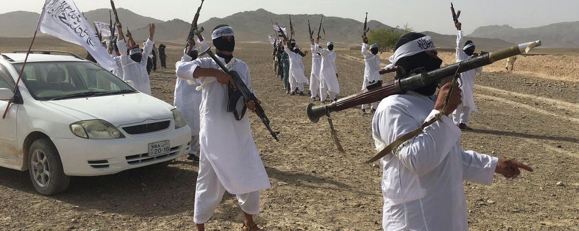 Вооруженные люди в Афганистане - Sputnik Узбекистан, 1920, 23.09.2021