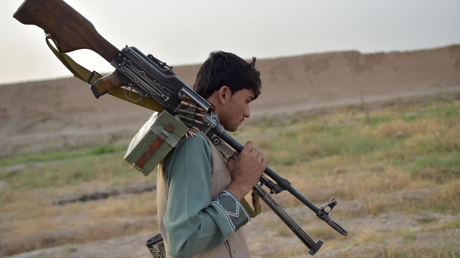 Вооруженные люди в Афганистане - Sputnik Узбекистан, 1920, 15.08.2021