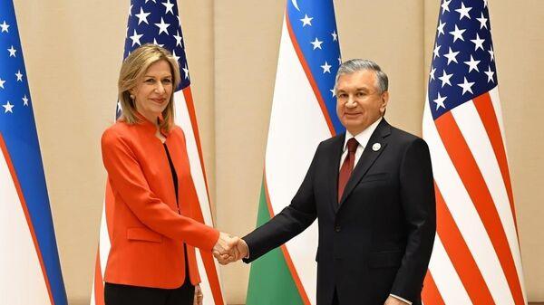 Мирзиёев провел встречу с советником президента США - Sputnik Узбекистан