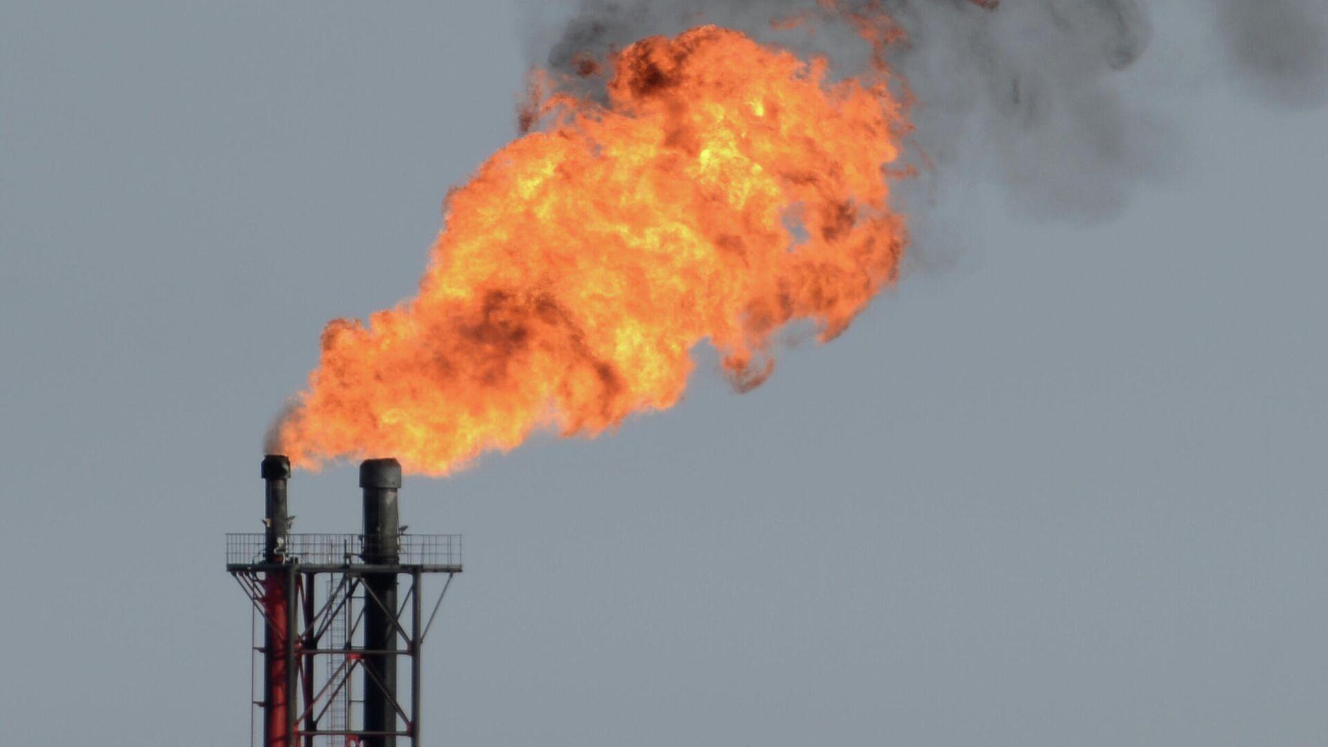 Нефтегазовое месторождение - Sputnik Узбекистан, 1920, 10.08.2021