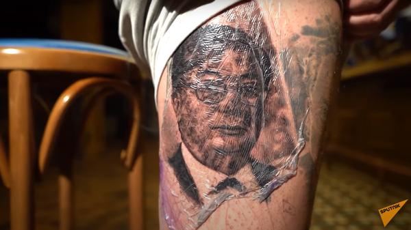 Астанчанин сделал тату с изображением президента и прославился в Сети - Sputnik Узбекистан
