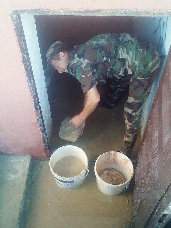 В Наманганской области устраняют последствия наводнения. - Sputnik Узбекистан