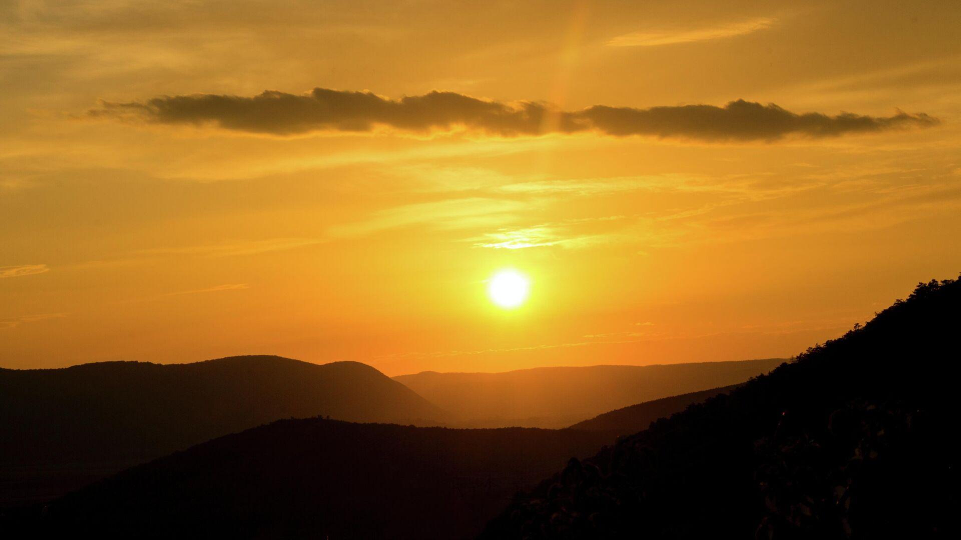 Солнце в горах - Sputnik Узбекистан, 1920, 23.07.2021