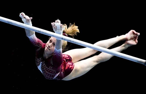 Россиялик гимнастикачи Виктория Листунова (16 ёш) - Sputnik Ўзбекистон