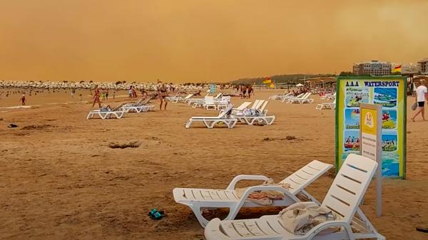 Туристы из Казахстана рассказали об огненном аде на побережье Анталии - Sputnik Узбекистан