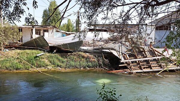Последствия взрыва склада в Сергелийском районе Ташкента - Sputnik Ўзбекистон