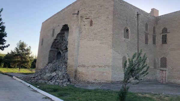 Обрушение Кош Медресе в Бухаре - Sputnik Узбекистан