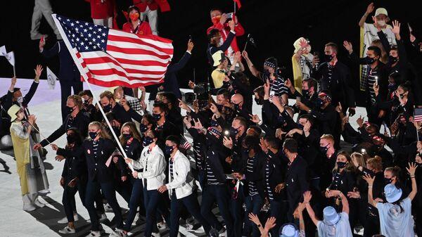 Спортсмены сборной США на параде атлетов на церемонии открытия XXXII летних Олимпийских игр в Токио - Sputnik Ўзбекистон