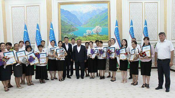 Учителя информатики Навоийской области получили премию - Sputnik Узбекистан