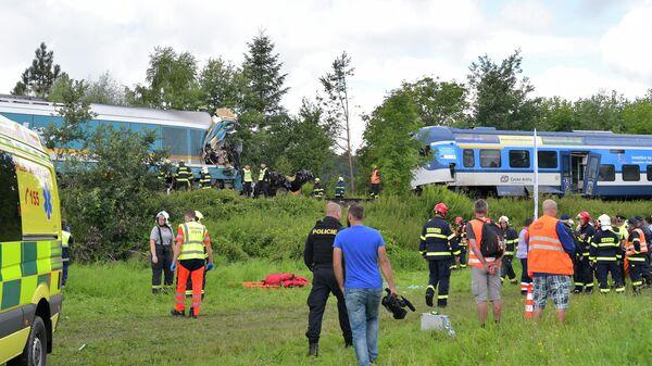 Место столкновения двух пассажирских поездов возле деревни Милавце между станциями Домажлице и Близейов, Чешская Республика  - Sputnik Ўзбекистон