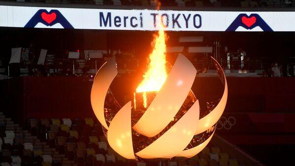 Marosim yakunida Olimpiya oʻyinlarining kelgusi mezboni Parij shahri ekani tantanali e'lon qilindi - Sputnik Oʻzbekiston