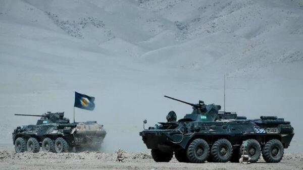 Военные учения на полигоне Харб-майдон в Таджикистане - Sputnik Ўзбекистон