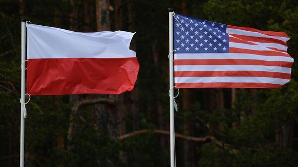 Флаги США и Польши - Sputnik Ўзбекистон