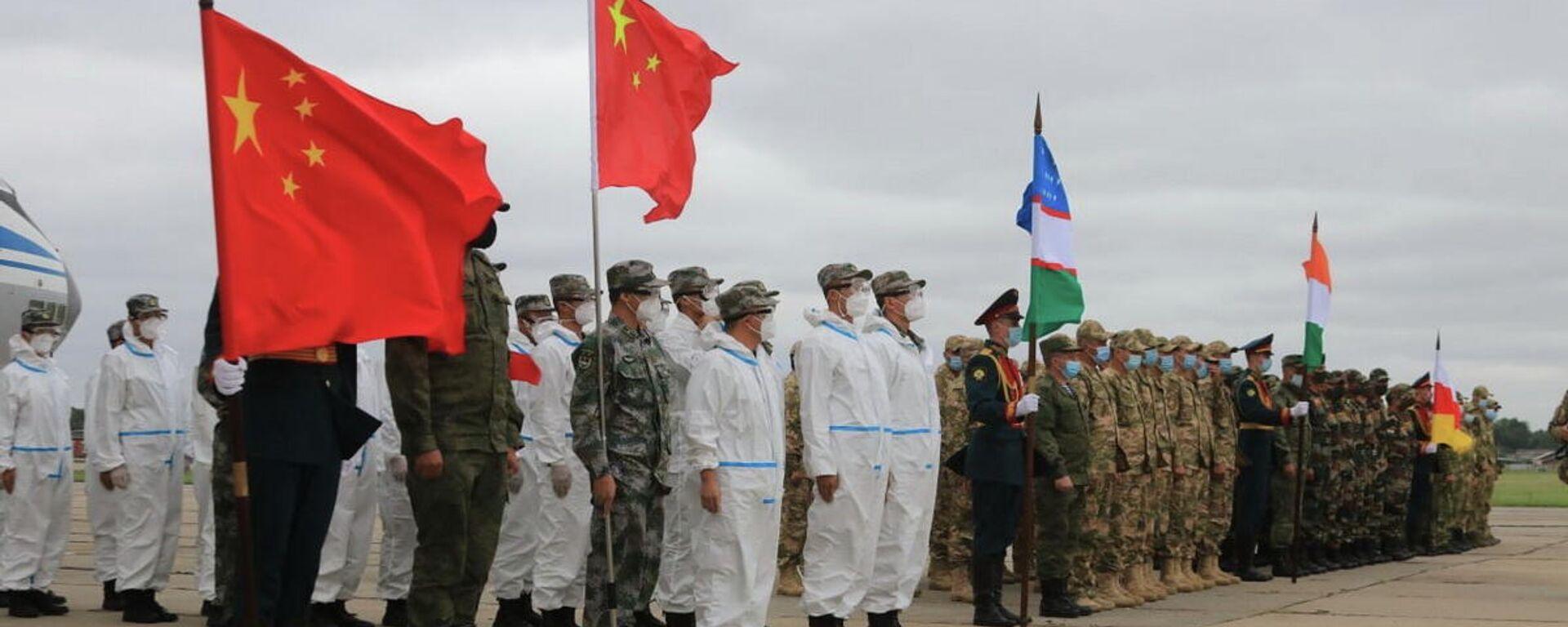 Военные Узбекистана прибыли в РФ для участия в АрМИ-2021 - Sputnik Узбекистан, 1920, 13.08.2021