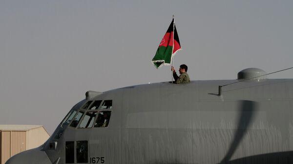 Самолет афганских ВВС - Sputnik Ўзбекистон