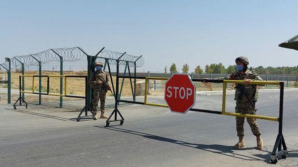 Узбеко-афганская граница в районе Термеза - Sputnik Узбекистан