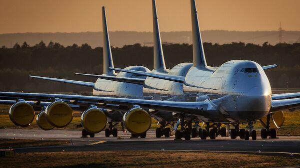 Самолеты Boeing 747 компании Lufthansa, Франкфурт - Sputnik Узбекистан