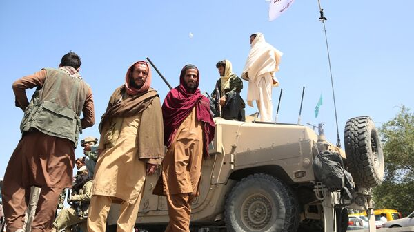 Боевики движения Талибан (террористическая организация, запрещена в России) в Кабуле - Sputnik Узбекистан