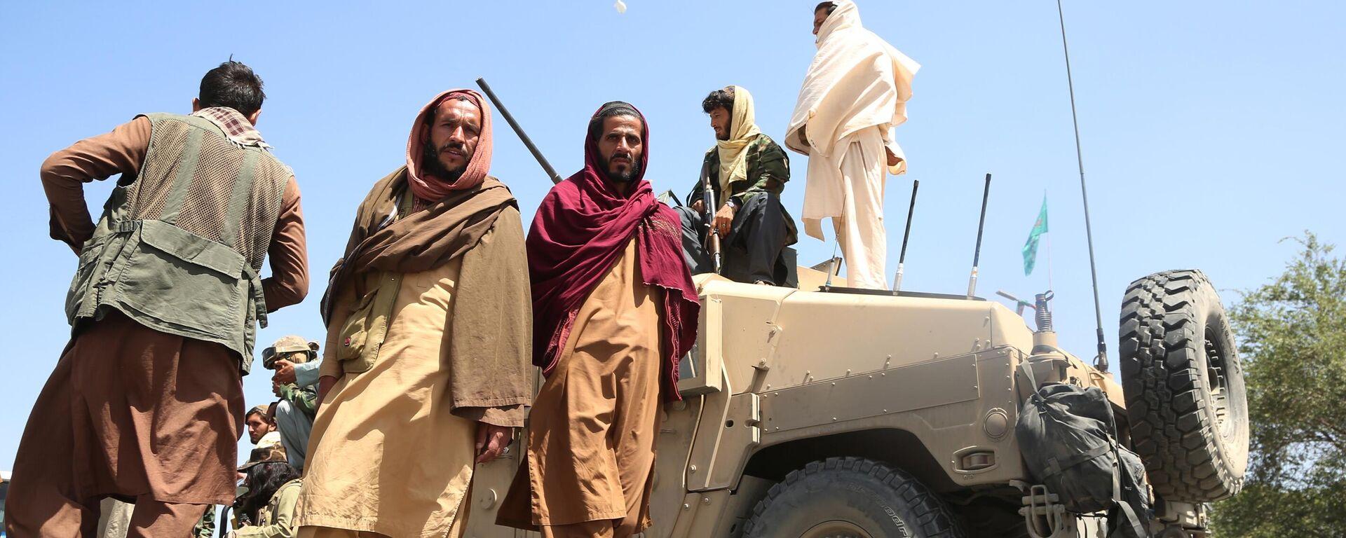 Boyeviki dvijeniya Taliban (terroristicheskaya organizatsiya, zapreщena v Rossii) v Kabule - Sputnik Oʻzbekiston, 1920, 19.08.2021