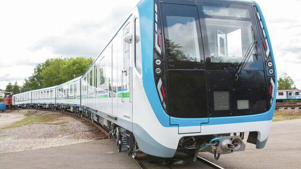 В Ташкент при поддержке ВЭБ.РФ отправлены 20 новых вагонов метро ТМХ - Sputnik Узбекистан