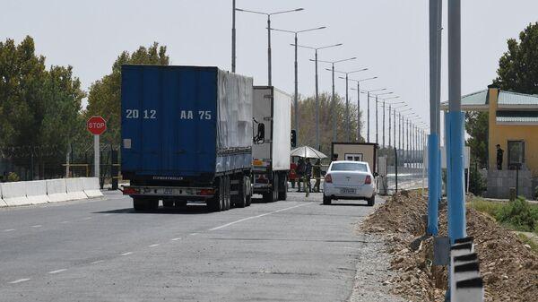 Obstanovka na KPP Termez na granitse Uzbekistana i Afganistana - Sputnik Oʻzbekiston