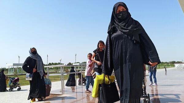 Bejentsы iz Afganistana v aeroportu Termeza - Sputnik Oʻzbekiston