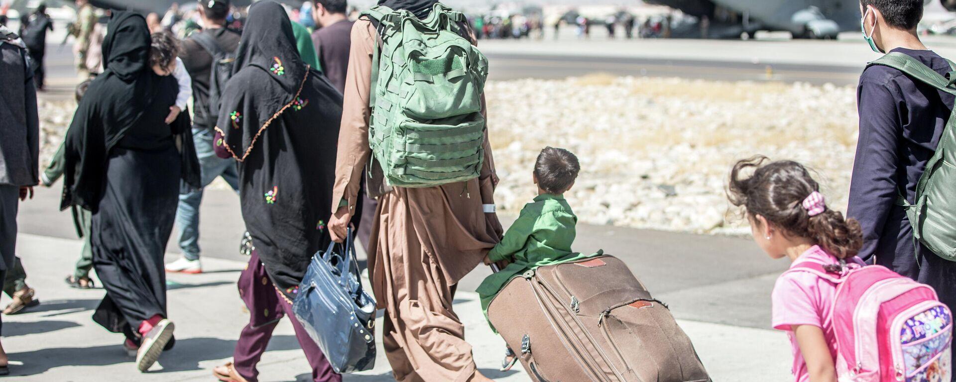 Эвакуация в аэропорту Кабула - Sputnik Ўзбекистон, 1920, 02.09.2021